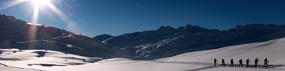 03_fotos_header_skitouren_jonas_lambrigger.jpg
