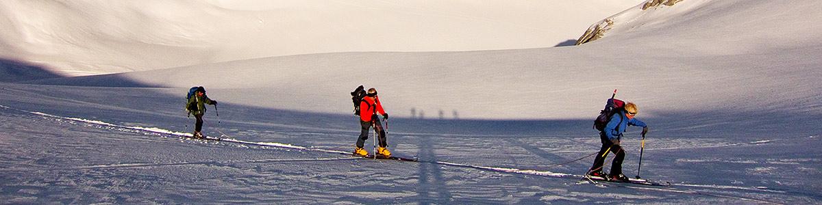04_fotos_header_skitouren_jonas_lambrigger.jpg