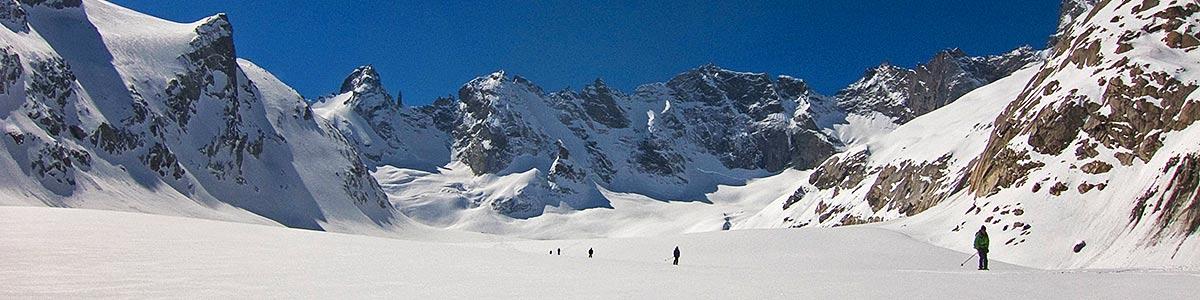 06_fotos_header_skitouren_jonas_lambrigger.jpg
